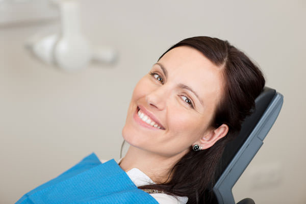 Dentalhygiene/Professionelle Zahnreinigung in der Zahnarztpraxis im Sprosshaus, Zürich