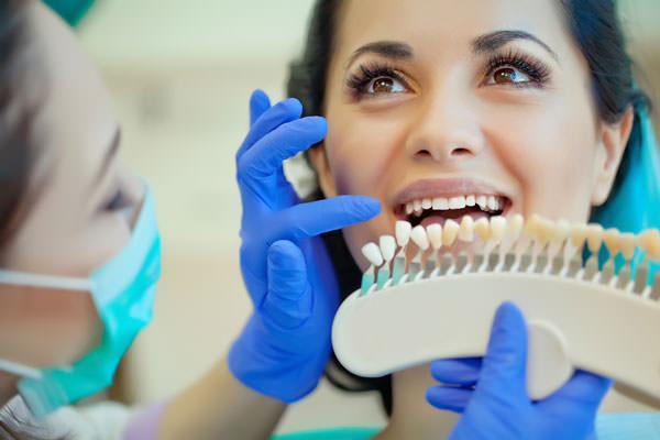 Bleaching in der Zahnarztpraxis im Sprosshaus, Zürich